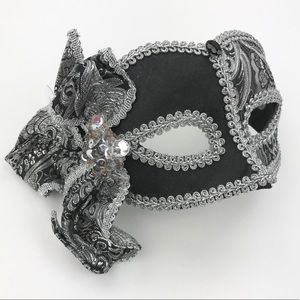 NWOT black & silver sequined masquerade mask